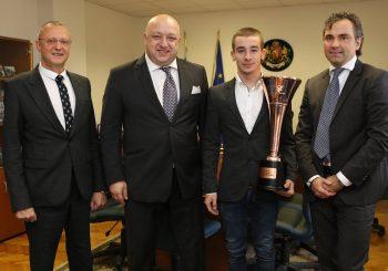 Иван Влъчков получи почетен плакет от Министерството на спорта