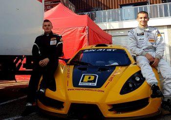 Влъчков и съотборникът му завършиха 4-и в първото състезание в GT4
