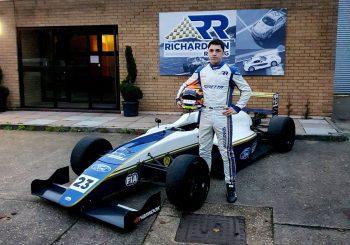 Георги Димитров ще кара в британската Формула 4