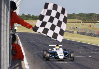 Георги Димитров с първа победа в Британската Формула 4
